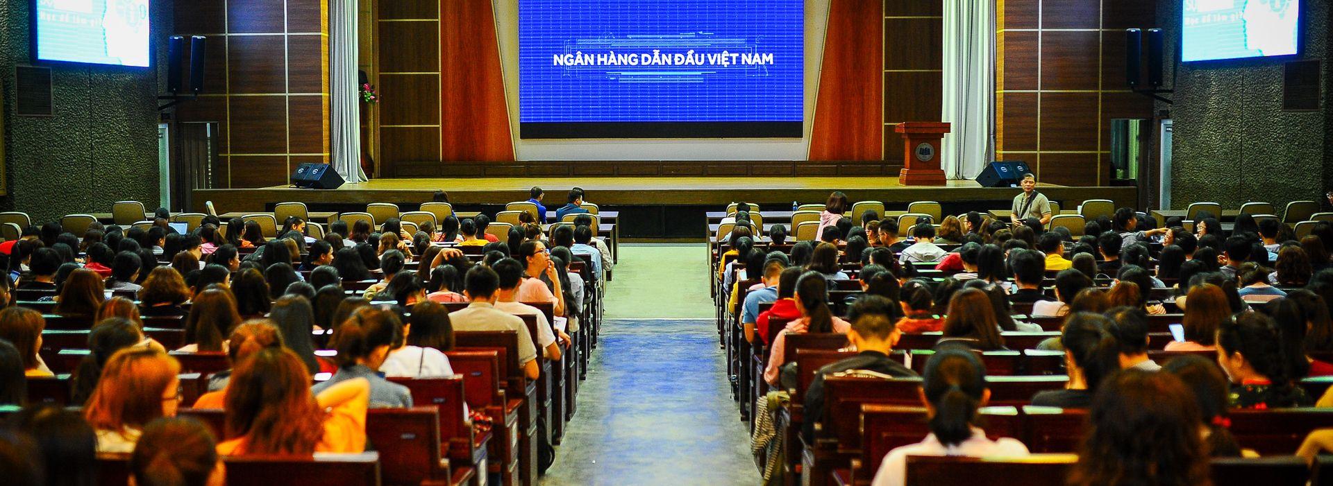 Ông Đỗ Minh Toàn - Tổng giám đốc ACB: Tăng tốc phát triển toàn diện ngân hàng giai đoạn 2019-2024